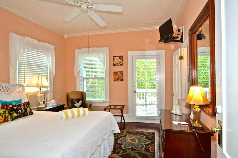 rent curry house room 2 key west vacation rental. Black Bedroom Furniture Sets. Home Design Ideas