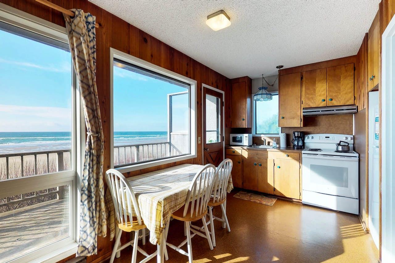 Remarkable Cape Cod Cottages Unit 11 Waldport Or Home Interior And Landscaping Transignezvosmurscom