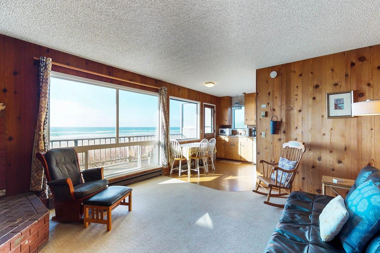 Prime Cape Cod Cottages Unit 11 Waldport Or Home Interior And Landscaping Transignezvosmurscom