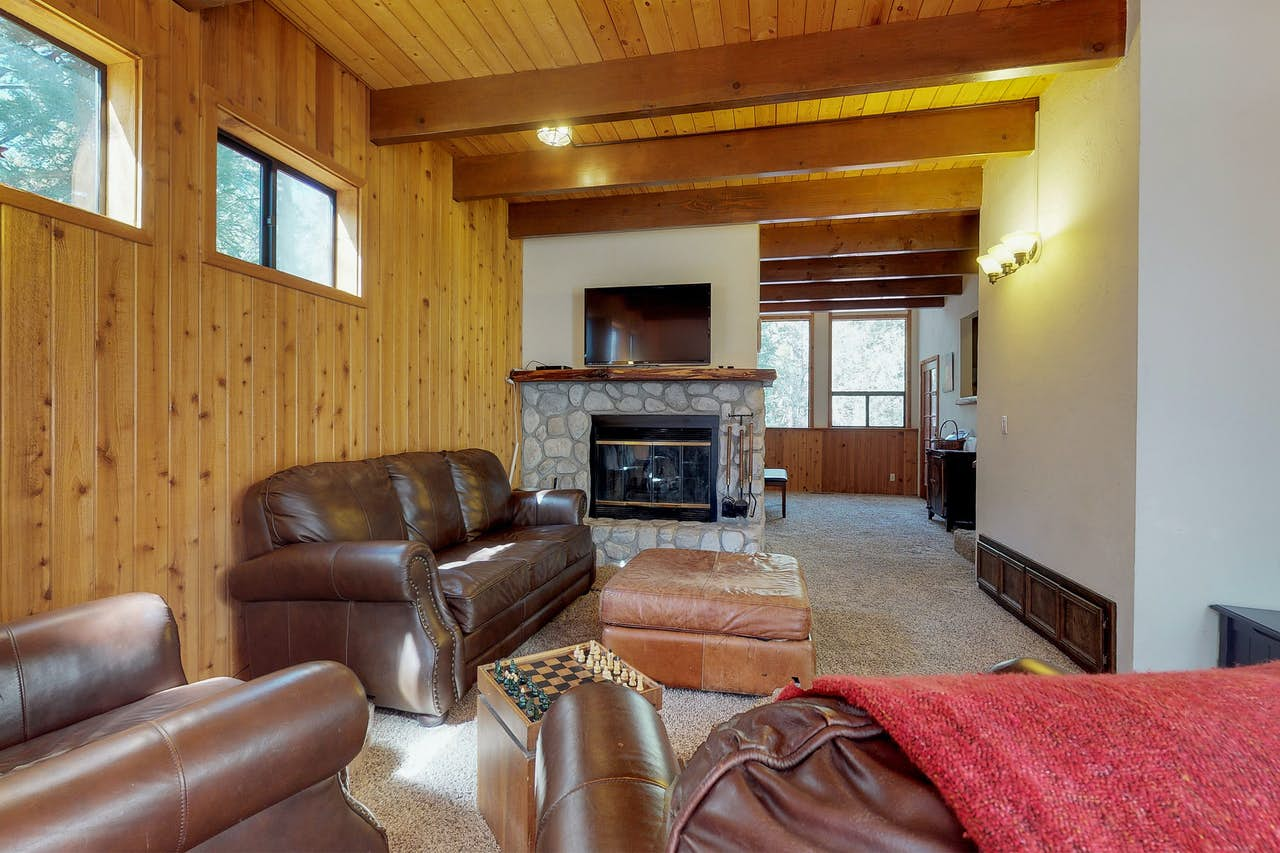 Twin Pine Auto >> Strawberry Creek Cabin | 3 BD Vacation Rental in Idyllwild, CA | Vacasa
