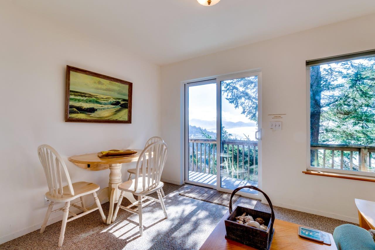 Sky Beach Cabin 2 1 Bd Vacation Rental In Oceanside Or