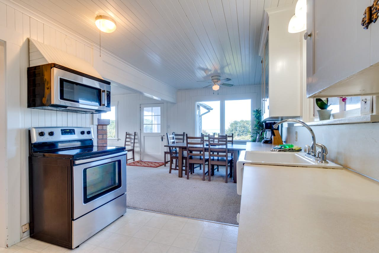 The Rising Tide Oceanfront Cottage | 3 BD Vacation Rental in ...