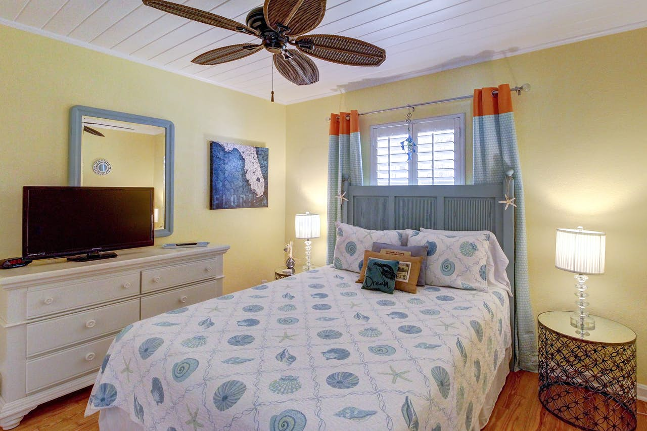 Twin Pine Auto >> Shoreline Terrace | 4 BD Vacation Rental in Anna Maria, FL ...